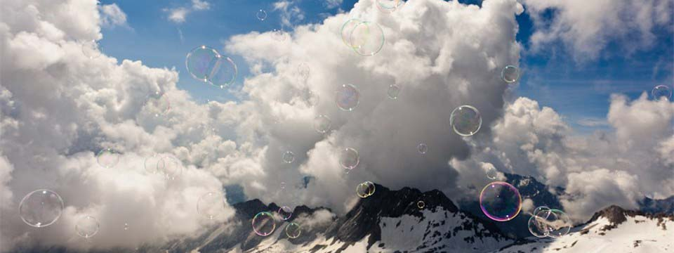 Soap bubbles and mountains